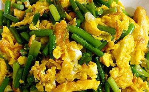 蒜苔炒鸡蛋作法