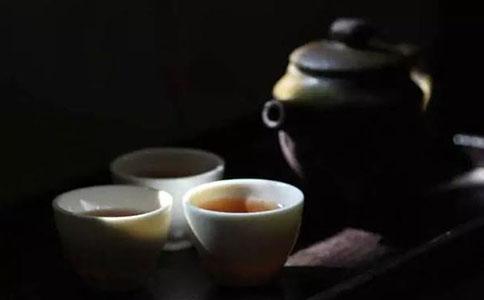 夏季健康小常识饮茶以解暑